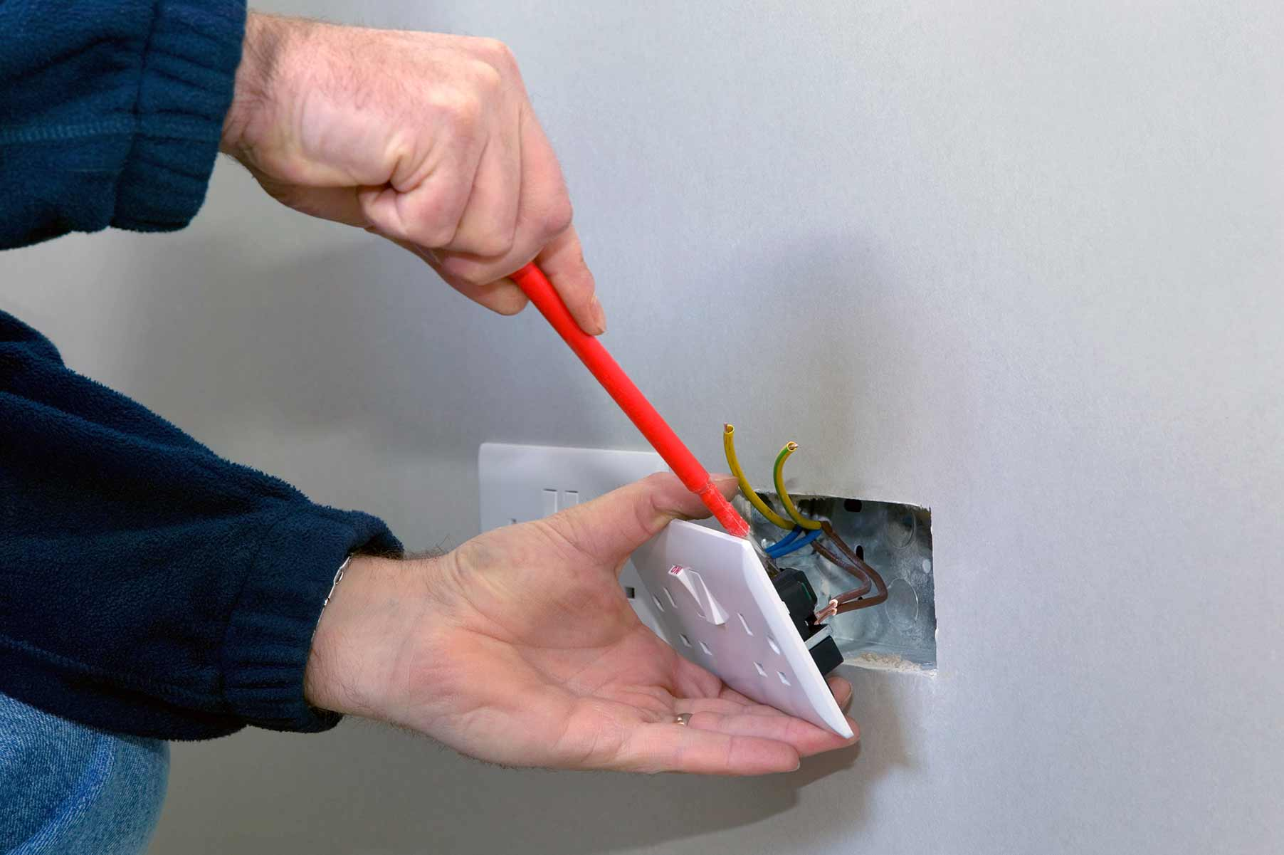 Our electricians can install plug sockets for domestic and commercial proeprties in Chadwell Heath and the local area.